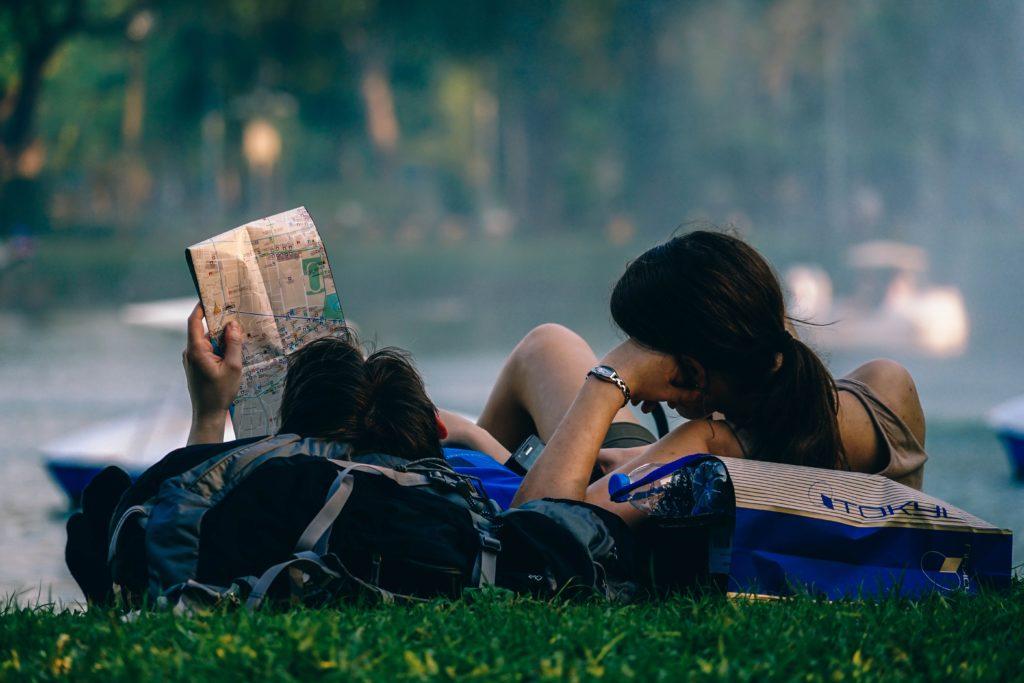 Cele 5 întrebări pe care să ți le pui înainte de a începe o relație