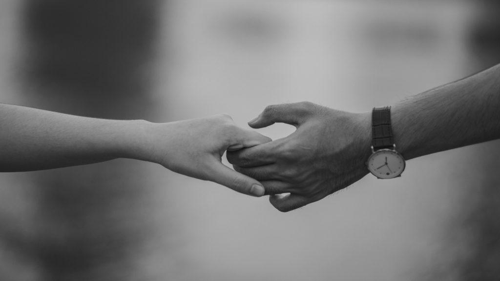 Legatura invizibilă dintre oamenii care sunt sortiţi să fie împreună