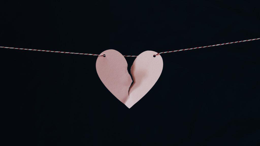 Ce înseamnă de fapt trădarea și care sunt consecințele