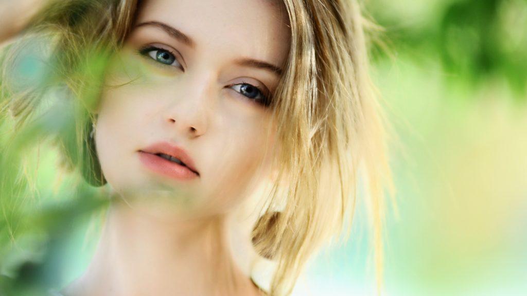 """8 semne că suferi de sindromul """"rățuștei urâte"""" și nu crezi că ești atrăgătoare"""