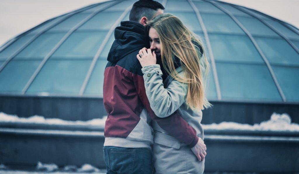 Dragostea vieții tale de asemenea te va răni