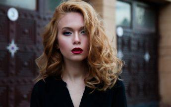 5 trăsături feminine care atrag cu adevărat bărbații – conform științei
