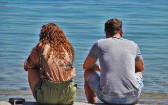 9 semne că ești demisexual și ai nevoie de o conexiune emoțională