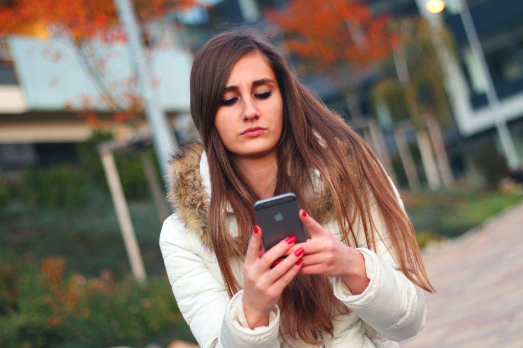 Ce să faci atunci când un bărbat nu răspunde la mesajele tale