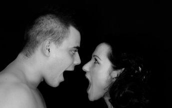 9 semne îngrijorătoare că ar trebui să îți reevaluezi relația cu partenerul
