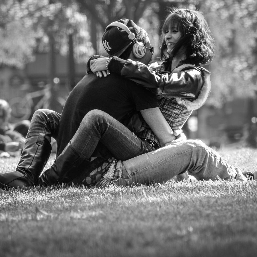 Iubește-i pe cei cu care vrei să vorbești pentru totdeauna.